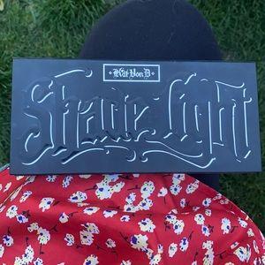 Kat Von D Shade and Light Contour palette